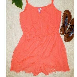 🧡HOT PEACH Shorts Romper size - L🧡